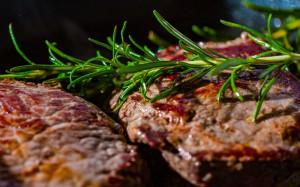 BOUCHON-ROUGE-steak-2936531-1280